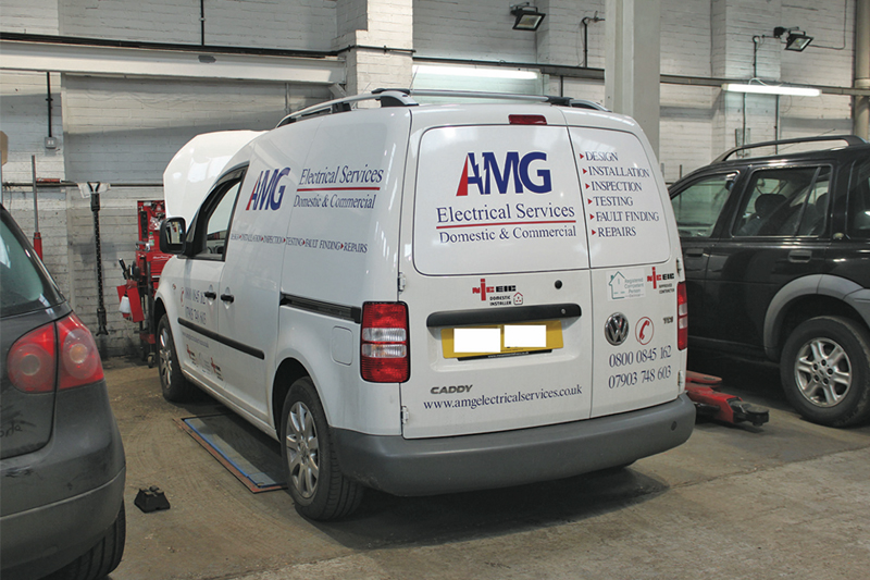 How to fit a clutch on a Volkswagen Caddy - cvw