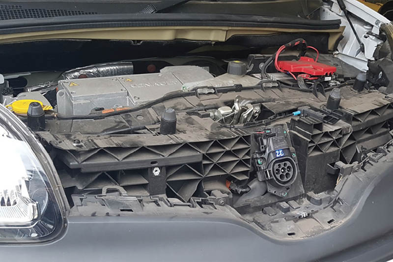 Pico investigates a Renault Kangoo charging issue